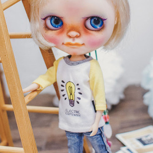 Blythe Light Bulb T shirt - Yellow